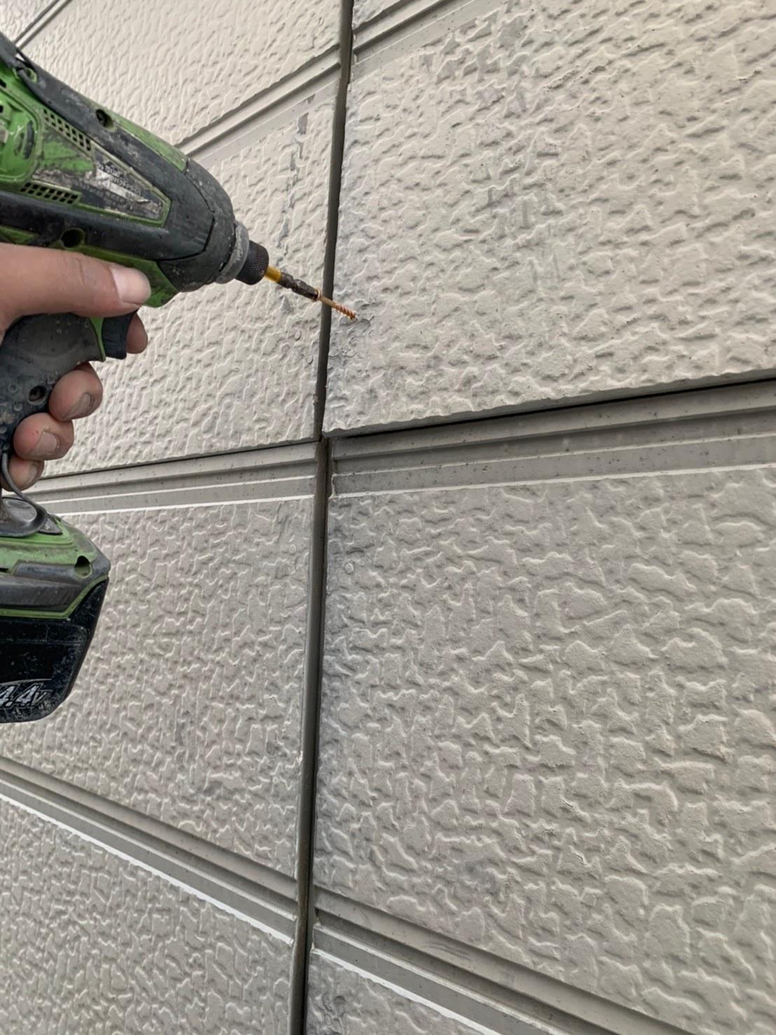 茨木・高槻の外壁屋根塗装防水YJリフォームサイディング押さえ@高槻市北大樋町