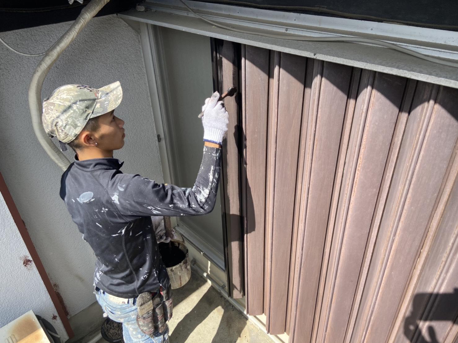高槻・茨木の外壁塗装YJリフォーム鉄部雨戸錆止め塗装@高槻市津之江町