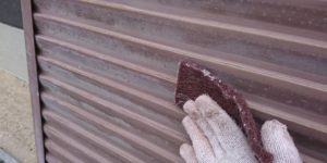 茨木・高槻の外壁塗装YJリフォーム雨戸ケレン@高槻市津之江北